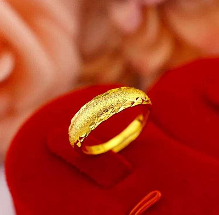 女士金婚戒指回收