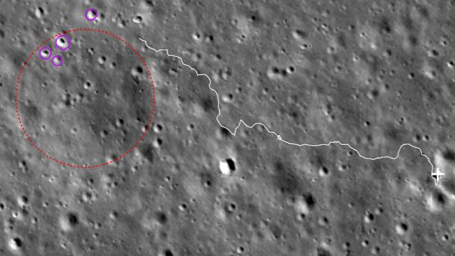 紫色圆圈区域为距离最近、反射率较亮的撞击坑,红圈为岩块位置,白线条为计划行驶路径
