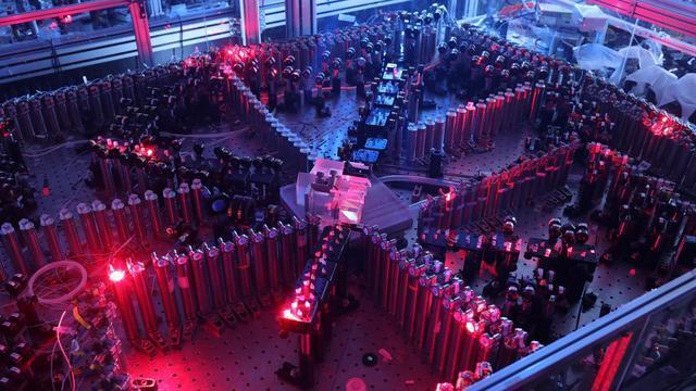 光量子干涉实物图。图片来源:中国科学技术大学。摄影:马潇汉,梁竞,邓宇皓