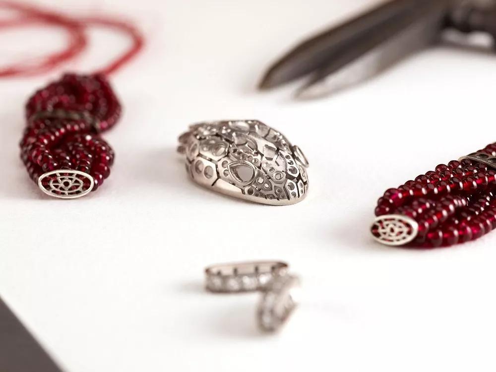 灵蛇珠宝腕表