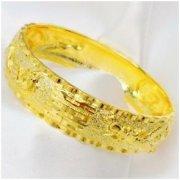 黄金手镯大气时尚,快送女神俘获她的芳心