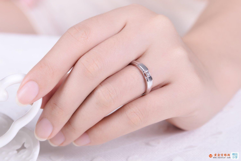女士钻石戒指