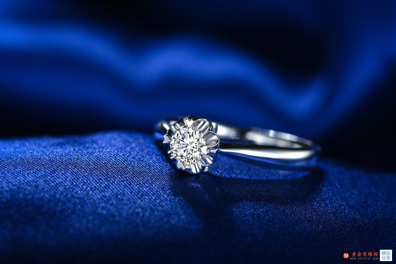 女人结婚戒指戴哪个手指