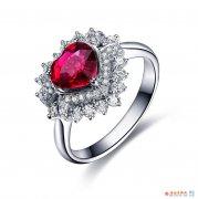 如何判断18k金红宝石戒指的品质 佐卡伊18k金红宝石戒指