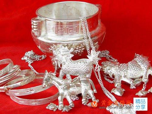 银饰品逆袭 引领时尚风向
