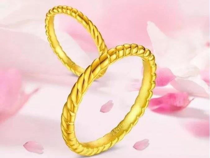 男戒指款式图片-男士戴金戒指,戴多少克的比较合适?