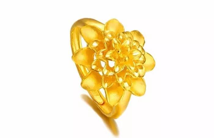 婚戒选钻石戒指、足金戒指还是铂金戒指?