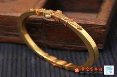 选黄金首饰,手镯和手链,哪个比较好?