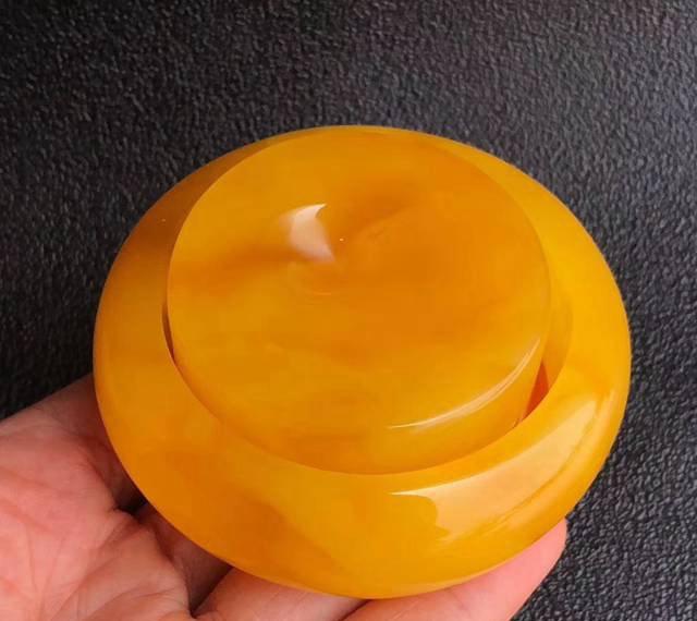 精品黄蜜蜡手镯图片大全,好看的挪不开眼!