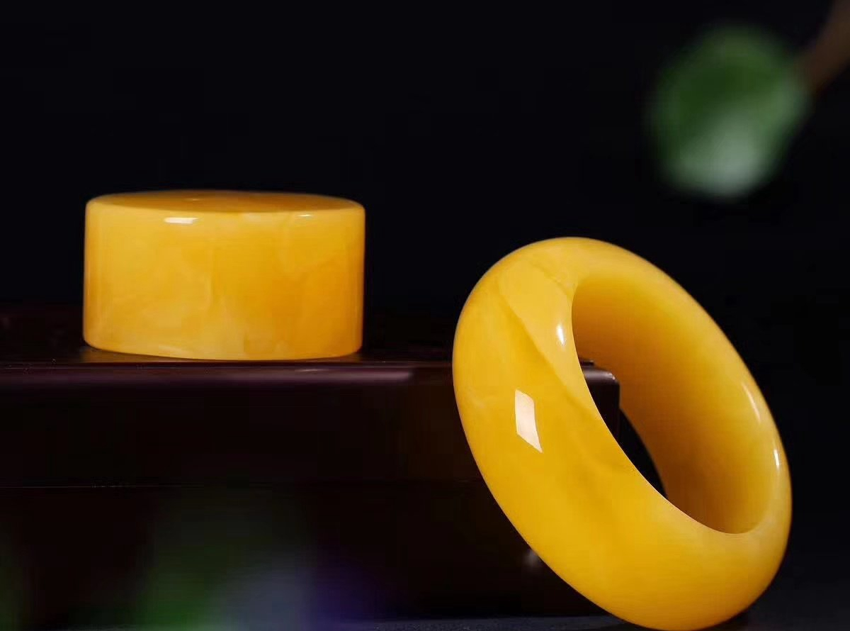 【珠宝解答】蜜蜡手镯的价格为何如此之高?