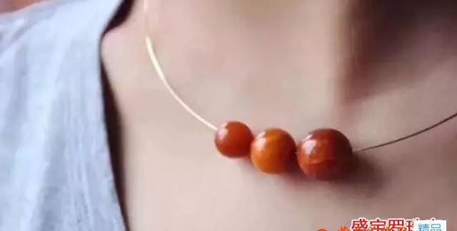 蜜蜡圆珠锁骨链图片,看完有种怦然心动的感觉!