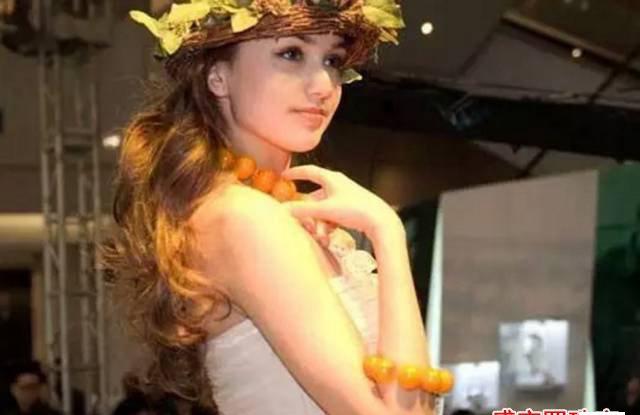 圆珠蜜蜡项链,一种由内至外的美!