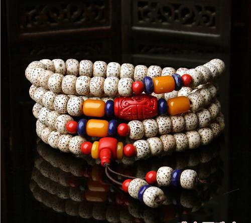 这样的菩提蜜蜡项链,戴起来也别有一番滋味!