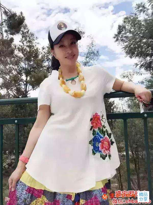 刘晓庆所喜欢的蜜蜡项链图片欣赏,一般人真比不了!