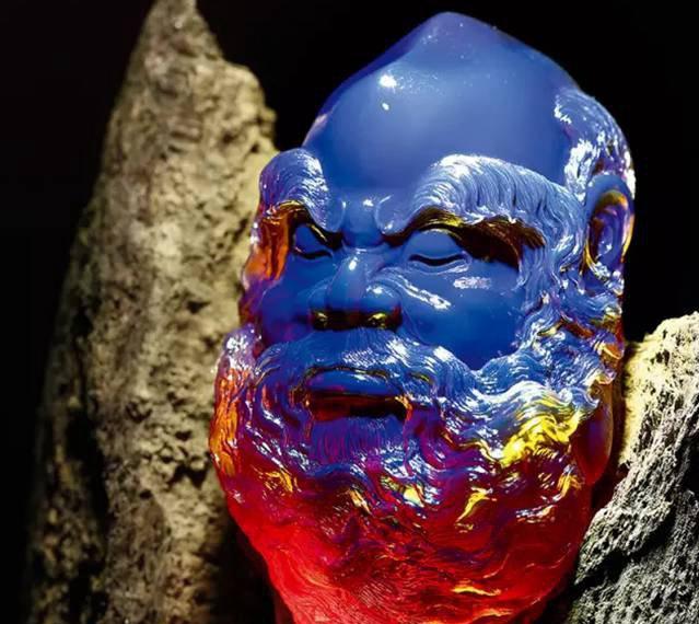 """琥珀雕刻图片,真正的大师能让琥珀再一次""""活过来""""!"""