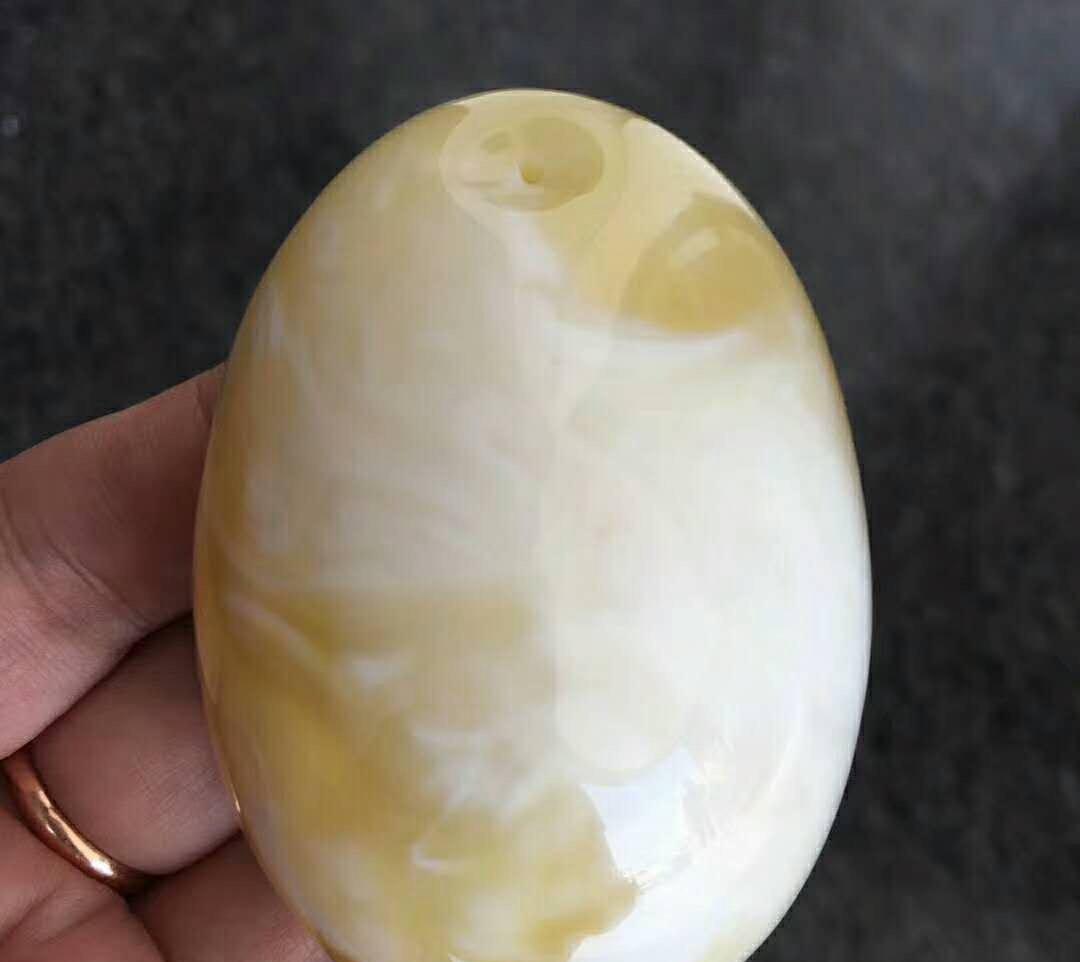 白花密腊多少钱一克,为什么么被称为香珀!