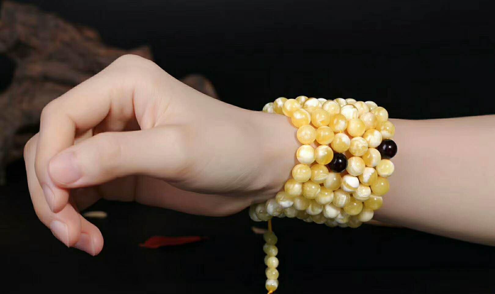白花蜜蜡珠子一克多少钱?你知道吗?