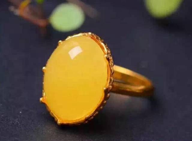 最好看的带蜜蜡戒指图片,看一件都是赚到!