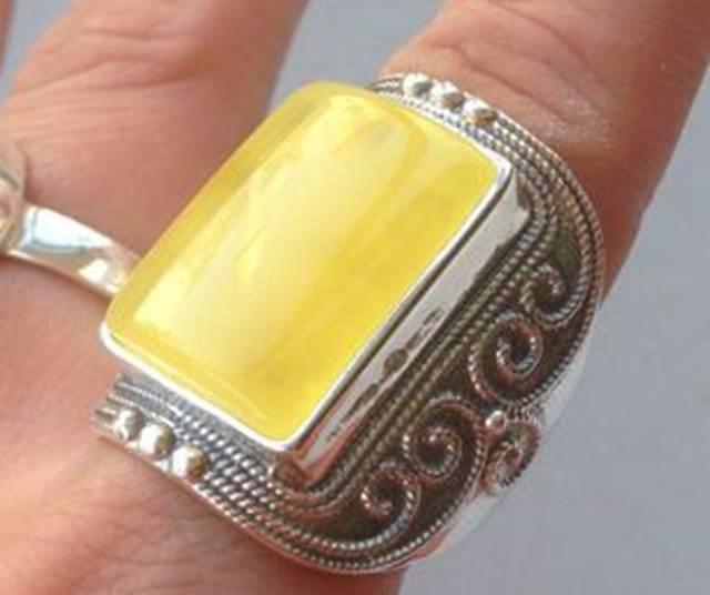 男的戴蜜蜡戒指图片,完美包浆的五大要点!