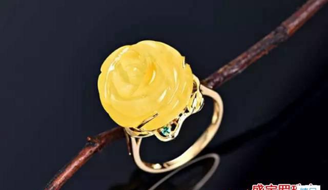 男生戴蜜蜡戒指,史上最详细戴法解析!
