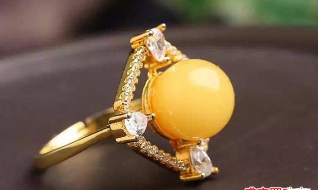 蜜蜡戒指戒托的材质这么多,到底应该怎么选?