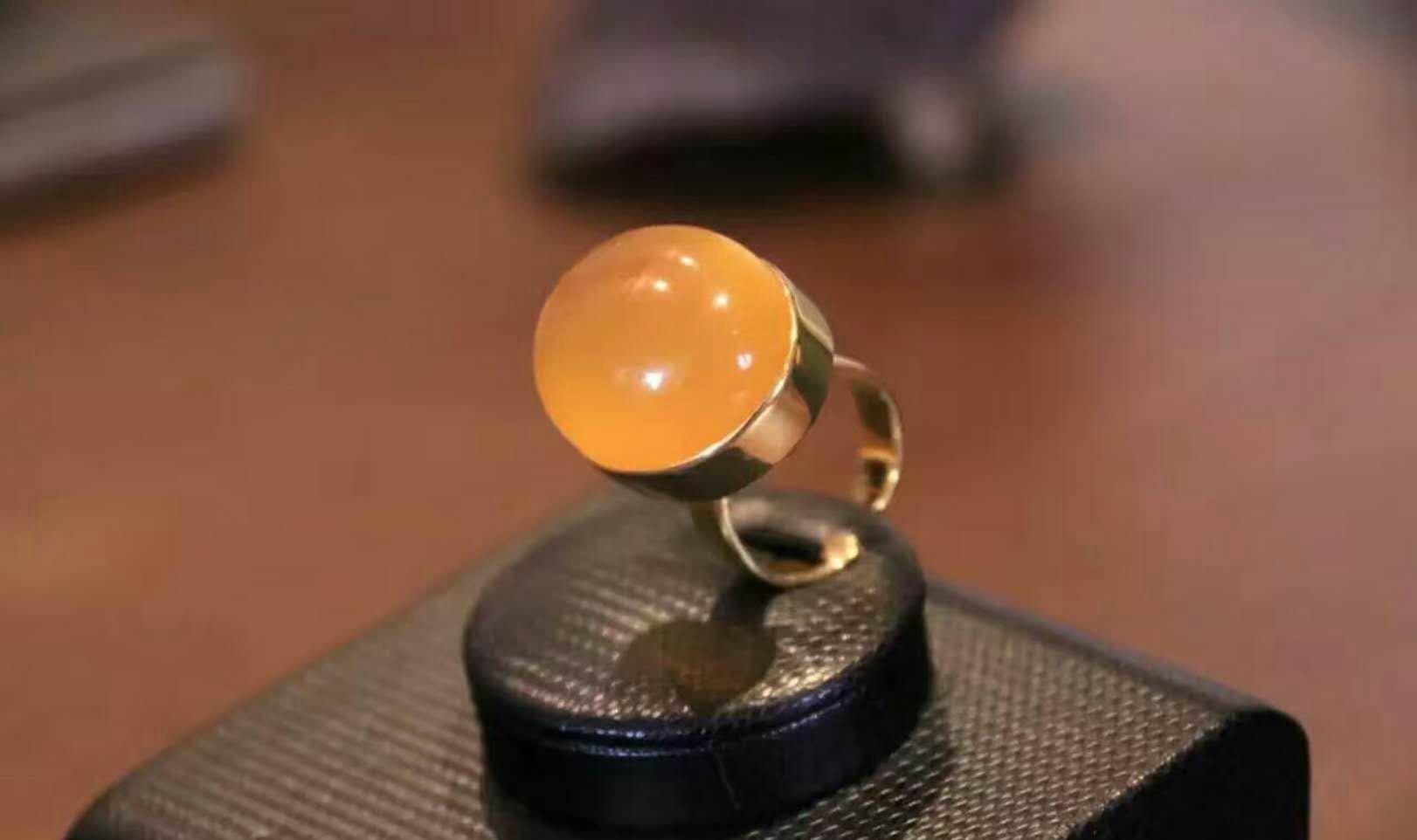 蜜蜡戒指多少钱