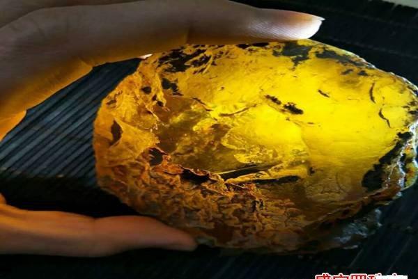 真琥珀原石多少钱一克