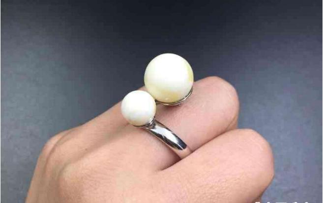 瓷白蜜蜡戒指价格 绝对会出乎你意料!