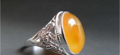 蜜蜡戒指价格图片,蜜蜡戒指的搭配技巧!