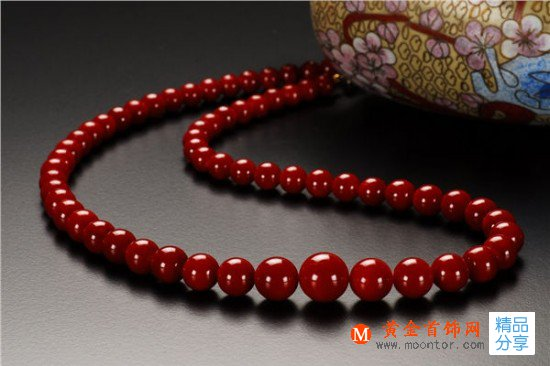 珊瑚中的红宝石:阿卡珊瑚