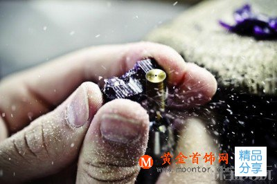 Chopard:蜡模雕刻工艺