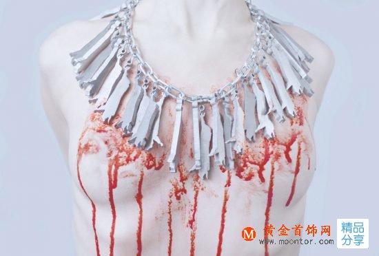 慎入!德国设计师Alexander Mainusch用血腥首饰抗议食肉-创意珠宝