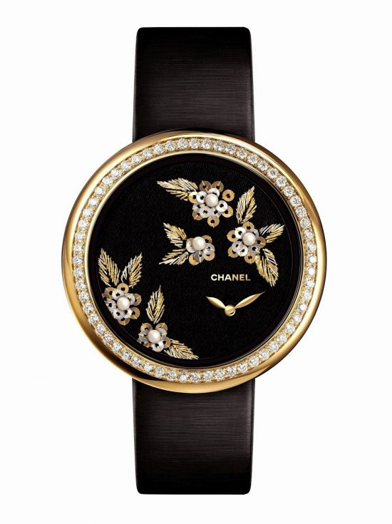 Chanel经典Mademoiselle Privé山茶花金丝腕表