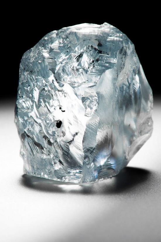 价值连城 重达122.52克拉的罕见蓝色钻石
