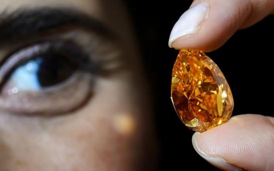 全球最大的梨形橙色钻石-珠宝首饰展示图【行业经典】