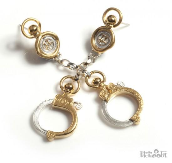 Jessica de Lotz:爱情枷锁