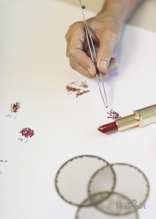 L'Oreal联手Chopard打造Color Riche纪念版珠宝唇膏-珠宝首饰展示图【行业经典】