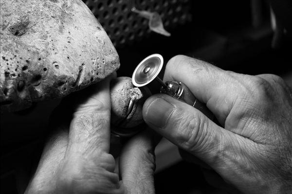 揭秘完美钻石的开采、设计、制作全过程-珠宝首饰展示图【行业经典】