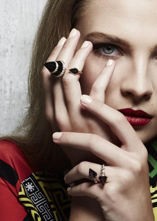 范思哲(Versace)全新珠宝大片 释放意式性感魅力