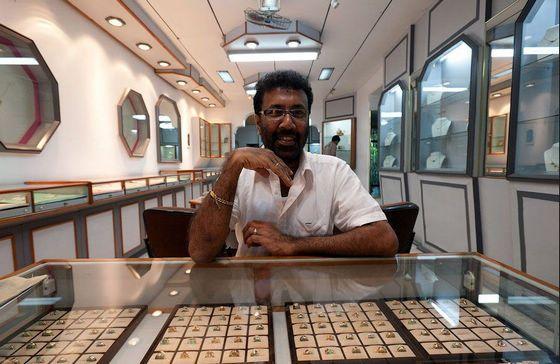 图解:斯里兰卡宝石开采过程-珠宝首饰展示图【行业经典】