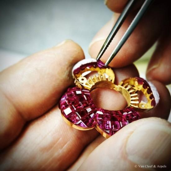 梵克雅宝Pavot Mystérieux高级珠宝腕表-珠宝首饰展示图【行业经典】