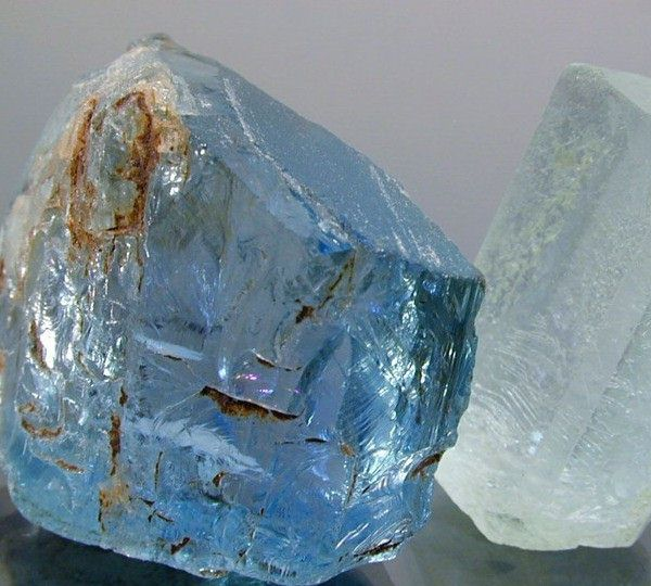 绚丽多彩的天然宝石晶体-珠宝首饰展示图【行业经典】