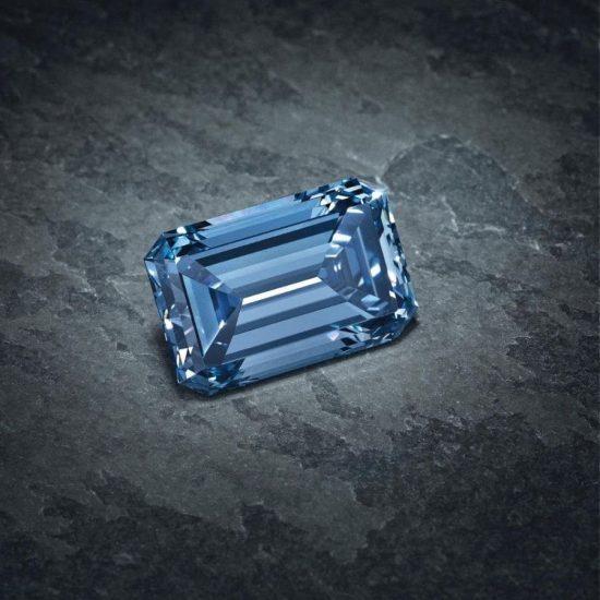 戴比尔斯(De Beers)的传奇钻石三重奏