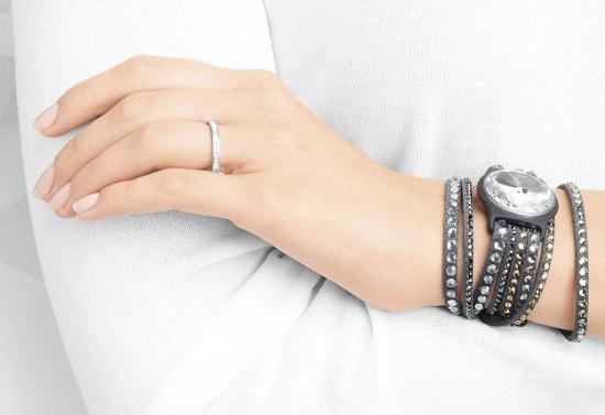Swarovski X Misfit合作推出智能珠宝手环