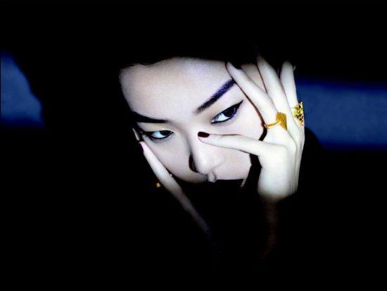 周大福与设计师高杨Simon Gao合作推出全新金饰-珠宝首饰展示【行业精选】