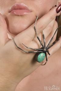 """极具""""杀伤力""""的大脚蜘蛛胸针-创意珠宝"""