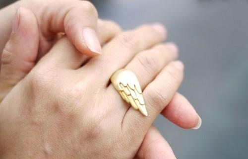 珠宝设计师Emily Rothschild:单翼天使-创意珠宝