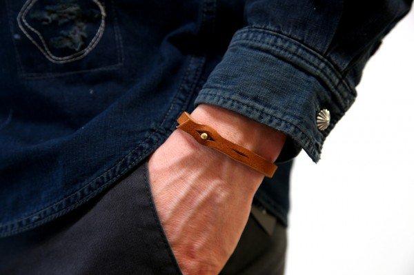 ROBERU:为日本祈祷皮革手环-时尚珠宝设计【行业顶级】