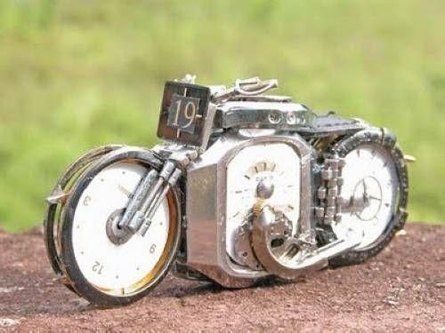 用手表改装成摩托车-创意珠宝