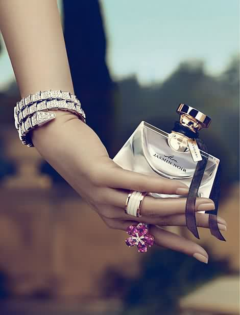 Kirsten Dunst:宝格丽(Bvlgari)香水广告-时尚珠宝设计【行业顶级】